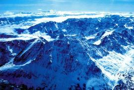 Покрытые снегом Скалистые горы. Так выглядела большая часть Европы и Американского континента.