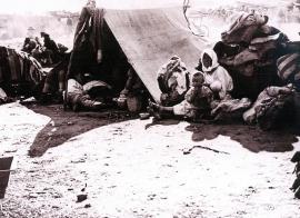 Сельские жители в лагере беженцев